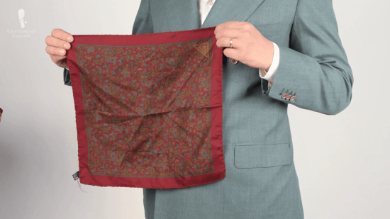 Vintage red pocketsquare with bronze & blue tones