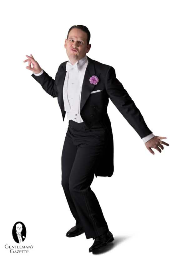 Sven Raphael Schneider in White Tie keeping it real