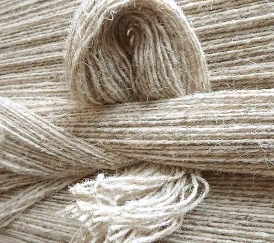 Spun wool yarns