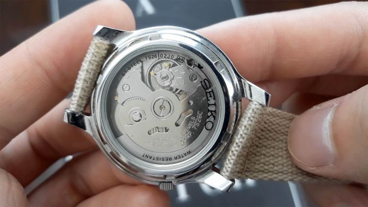 Seiko 5 Case Back | GENTLEMAN WITHIN