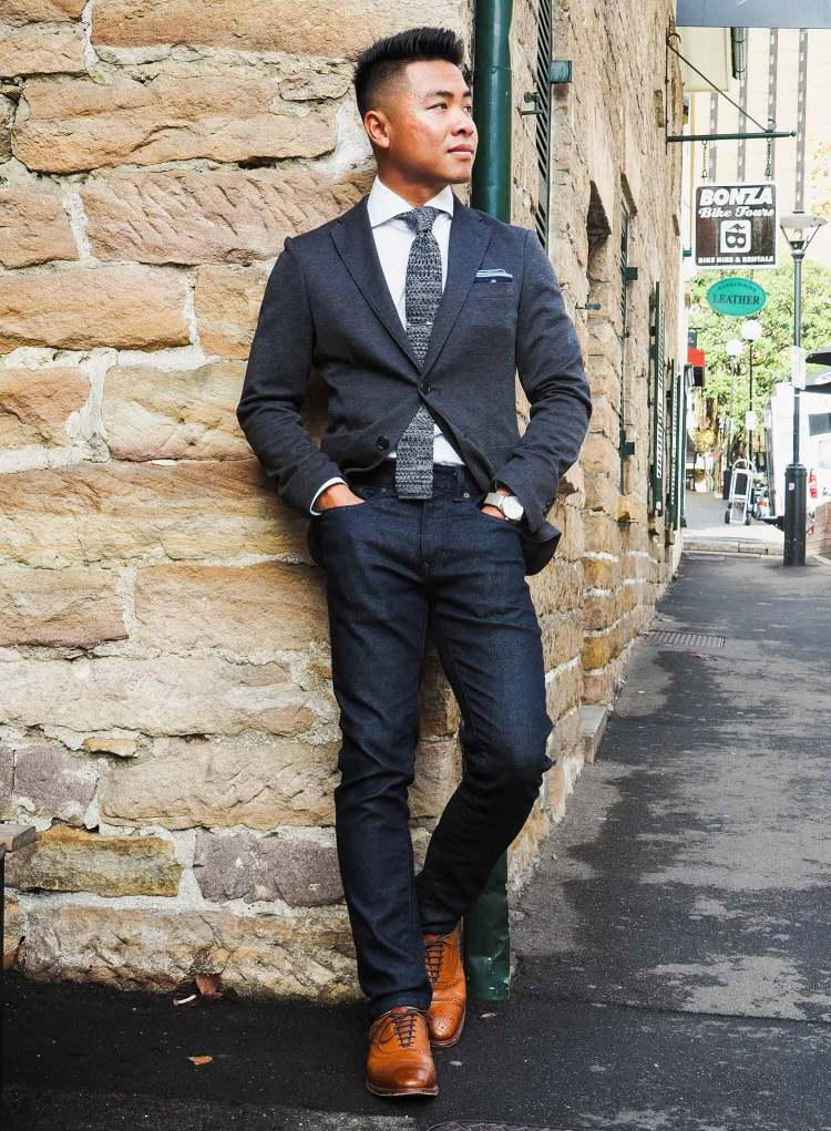 Blazer And Jeans Look In Sydney