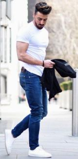 white sneakers with jeans outfit 2