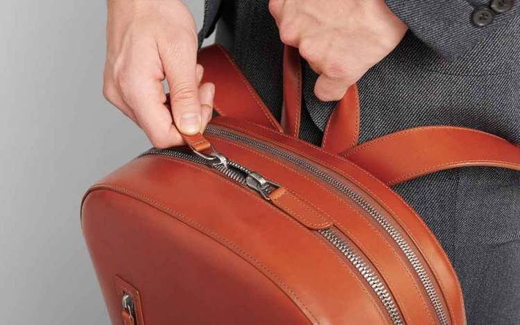 bowen zipper details