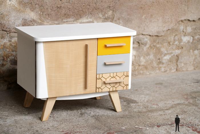 petit meuble d appoint vintage en bois relooke jaune et blanc gentlemen designers