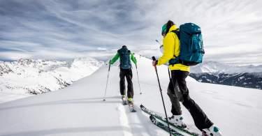 Comment bien choisir ses skis de randonnée
