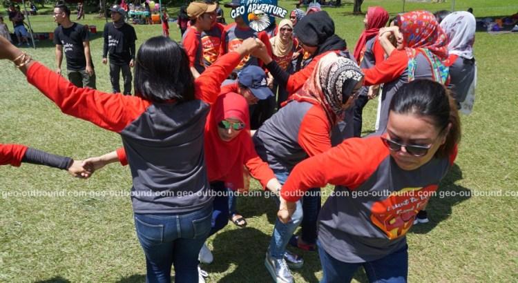 GAME ULAR BUGIL REUNI SMP 1 SERPONG - CV GEO ADVENTURE INDONESIA