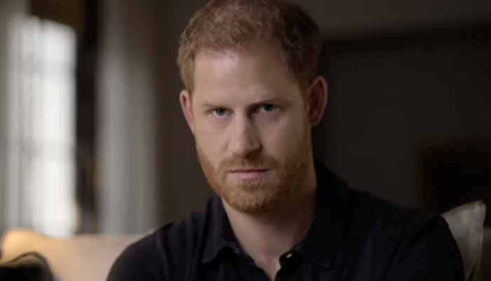 353674 7209323 updates Royal biographer thinks Prince Harry's family in London is worried about his mental health