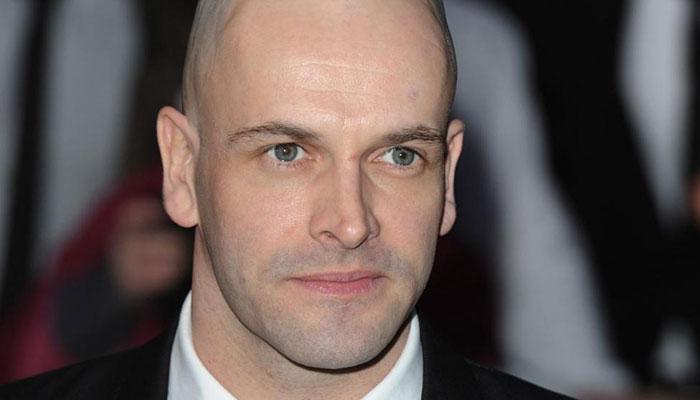 356965 3086607 updates The Crown announces Jonny Lee Miller joins cast