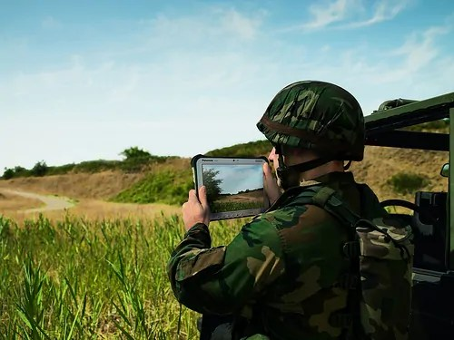 geobusiness-magazine-panasonic-toughpad-fz-g1-army-w500