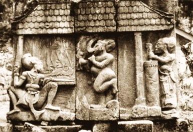 Salah satu panil relief di Candi Sukuh di lereng Gunung Lawu.