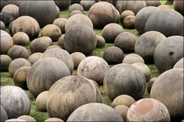 Hasil gambar untuk costa rica stone