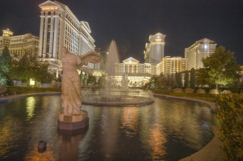 caesars-fountain-hdr-night.jpg