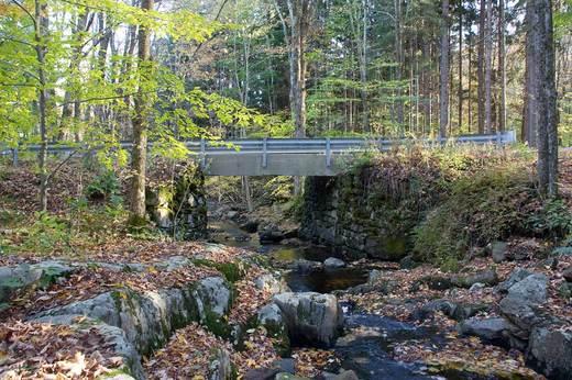 cornwall-country-bridge-and-brook.jpg