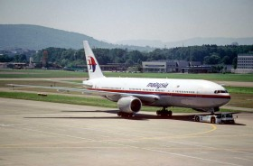 Malaysia_Airlines_Boeing_777-2H6ER;_9M-MRG@ZRH;07.08.1998_(4794758296)