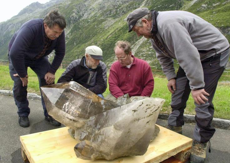 """Résultat de recherche d'images pour """"suisse des cristaux géants"""""""