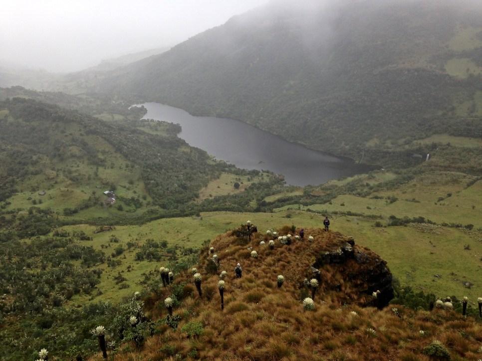 Standing at the edge of the Páramo Ocetá plateau