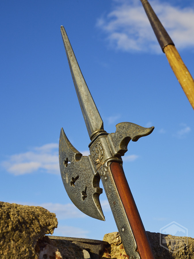 Alabarda: arma típica que usaba un soldado del siglo XVII.