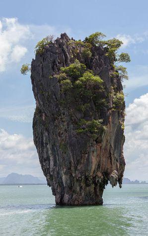 "Ko Tapu Rock ""James Bond Island"""