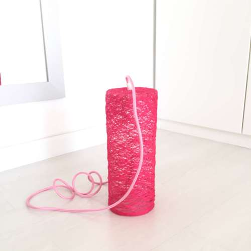 lámpara de suelo rosa artesanal de hilo decorativa