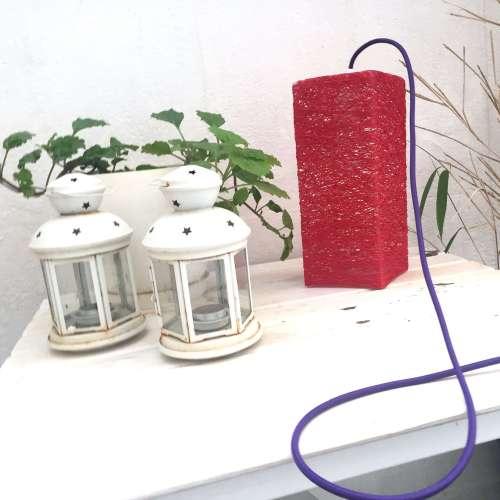 Lámpara de mesa decorativa de hilo hecha a mano