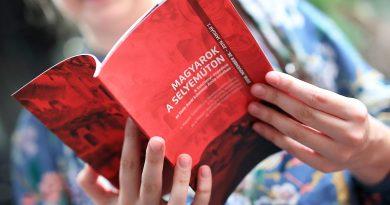 A Magyarok a Selyemúton kiállítás Szegedre költözik