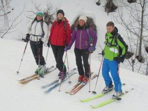 Brigitte, Susi, Petra und Paul bei der Abfahrt.