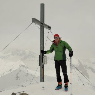 Am Gipfel des Bösen Weibele (3.121m)