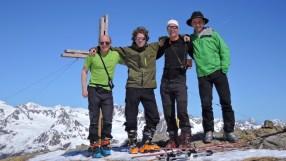 Gipfelfoto auf der Langschneid (2.688m) bei frühlingshaften Bedingungen