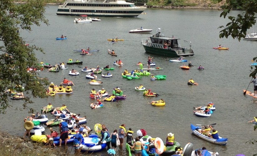 The Big Float entering Willamette RIver