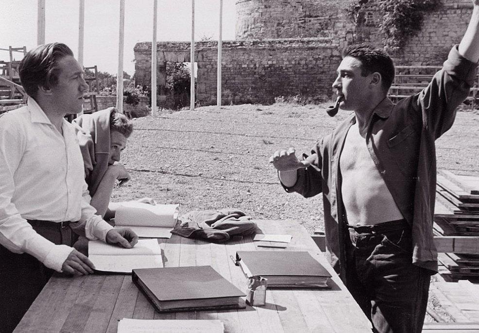 Georges Delerue et Jo Thérard, metteur en scène du Chevalier de neige Caen 1953.