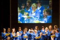 romsey-abbey-girls-choir-at-music-for-george-2