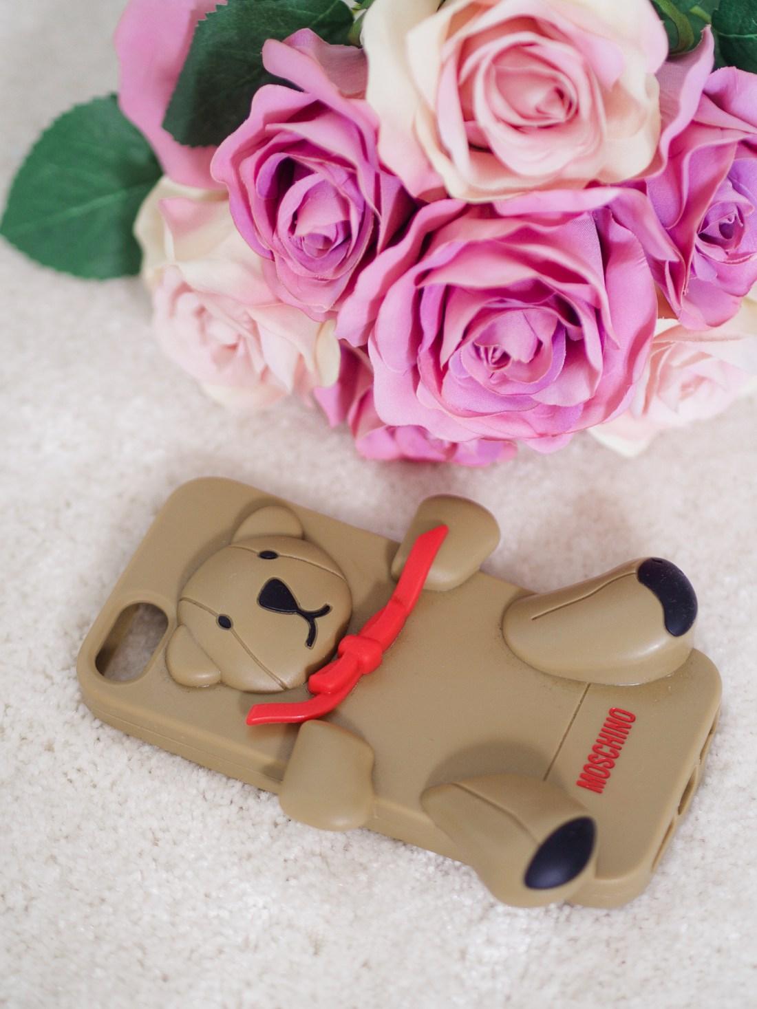 moschino teddy bear phone case