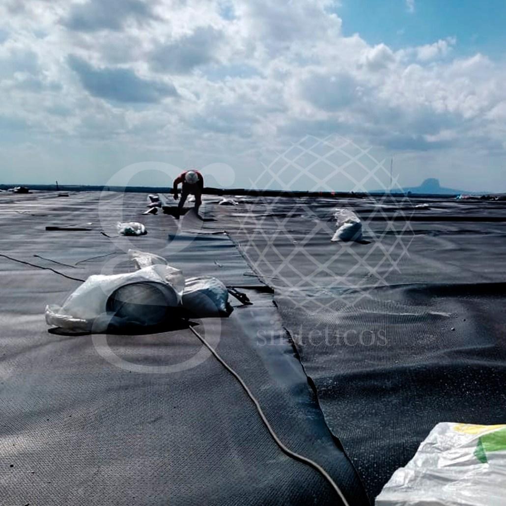 Nueva obra de instalación de #Celda de desechos industriales, en la primera étapa se habilita y se tiende material antiderrapante de 1.5 mm.