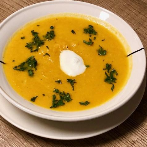 wortel-appelsiensap soep met gember