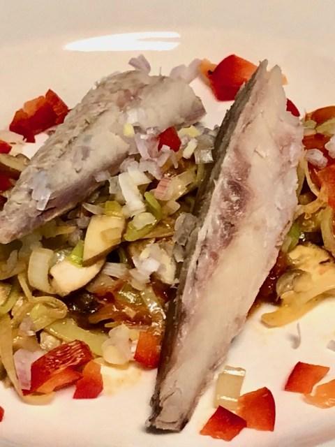 gerookte makreel op eenstoofpotje met prei