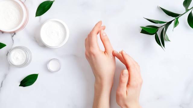 soin visage silicone dimethicone silane peau visage cosmétique