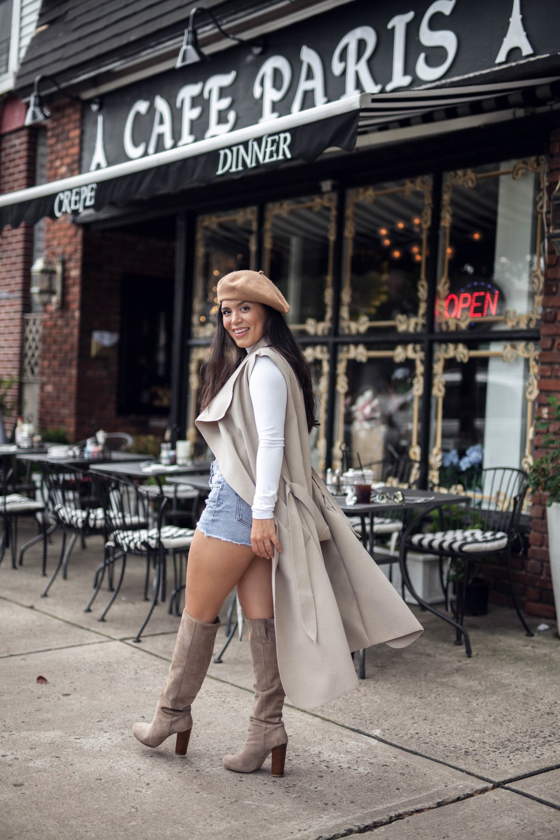 How to do a street style photoshoot at a coffee shop.