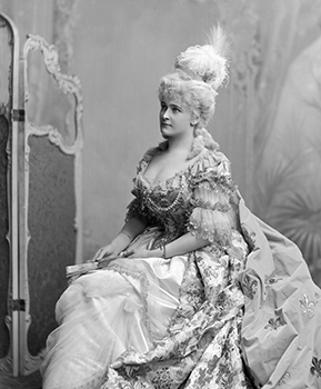 Countess of Devonshire as Marie Antoinette, Courtesy of Lafayette Negative Archive of V&A Museum
