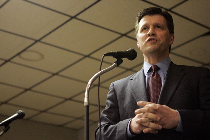 Former U.S. Rep. John Hostettler speaks during the debate. (C-T photo Max Gersh) ©2010