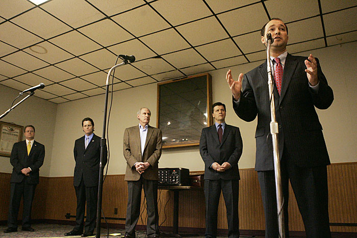 State Sen. Marlin Stutzman, far right, speaks during the debate on Saturday, From left to right are Don Bates Jr., Richard Behney, Dan Coats and John Hostettler. (C-T photo Max Gersh) ©2010
