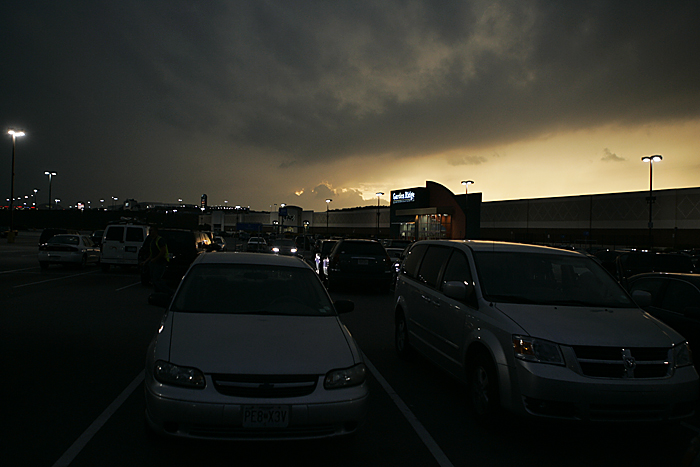 Storm clouds that later set the greater St. Louis metro area under a tornado warning roll in over Gravois Bluffs. ©2010 Max Gersh