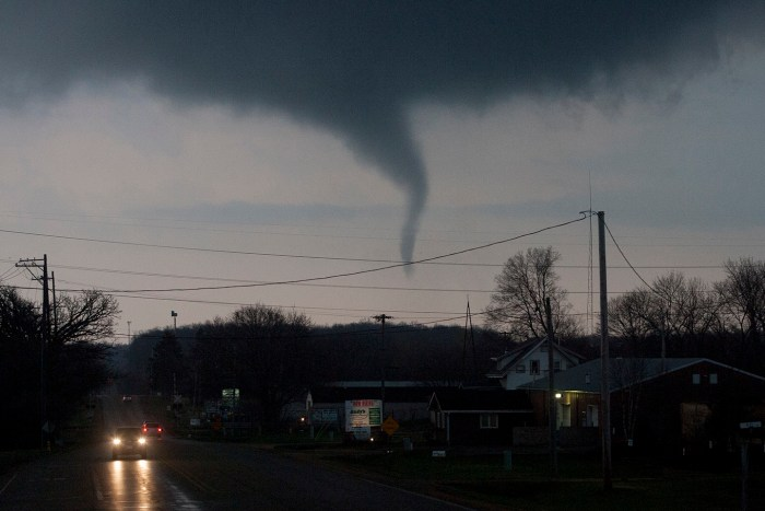 Funnel cloud over Perryville Road