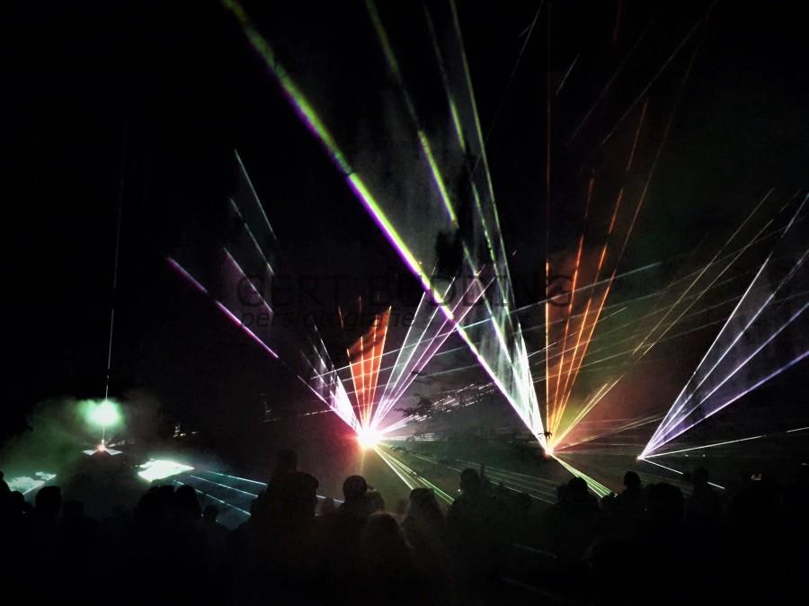 Spetterende lasershow van Lions Club Renkum in het Beekdal