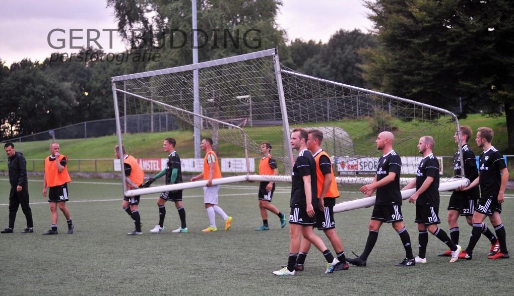 Duno start training en test drie nieuw spelers