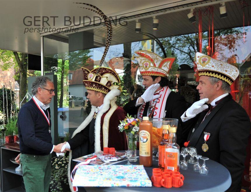 De Dolle Instuivers feliciteert 35-jarige Oranjerie