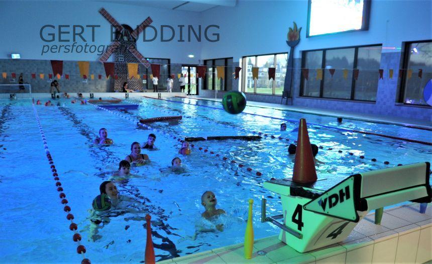 Zwem4daagse RZC in Doelum met 180 deelnemers