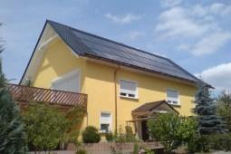 Innendach kompinierte PV.- Solarthermieanlage