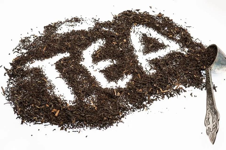 Tea Leaves of Black