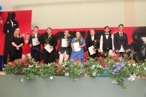 Gesamtschule Petershagen_Abschlussfeier Klasse 10 im SJ 2015-16_ Motto des Abends - Casino Royale_28