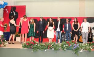 Gesamtschule Petershagen_Abschlussfeier Klasse 10 im SJ 2015-16_ Motto des Abends - Casino Royale_6